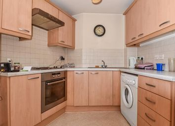 Thumbnail 1 bedroom flat for sale in Slough, Berkshire