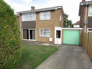 Thumbnail 3 bed detached house for sale in Hillside Close, Shillington, Hitchin