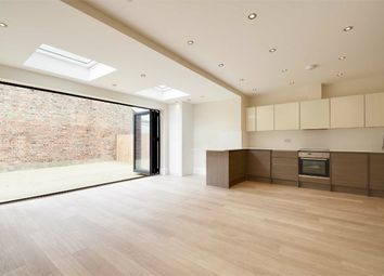 Thumbnail 2 bed flat for sale in Tetherdown, Muswell Hill, London