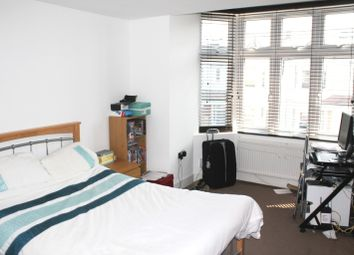 Thumbnail 2 bed flat to rent in Arragon Gardens, Streatham Common