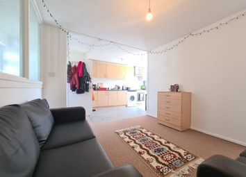 3 bed maisonette to rent in Cable Street, London E1W
