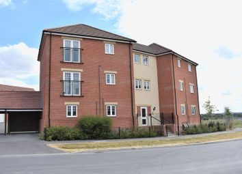 Thumbnail 2 bed flat for sale in Greenfinch Road, Didcot