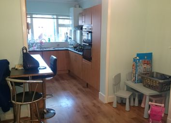 Thumbnail 4 bed terraced house to rent in Kendall Avenue, London