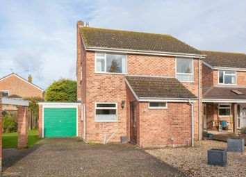Thumbnail 4 bed detached house for sale in Golders Close, Ickford, Aylesbury