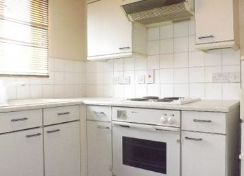 1 bed flat to rent in Azalea Close Ilford, Ilford IG1