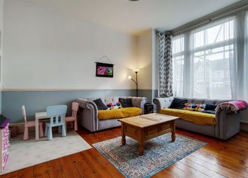 3 bed flat for sale in Mitcham Lane, London SW16