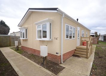 Thumbnail 1 bedroom mobile/park home to rent in Mere Oak Park, Three Mile Cross, Reading