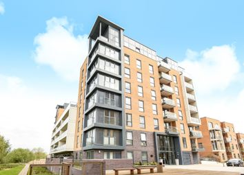 Thumbnail 1 bed flat to rent in Skylark House, Drake Way, Reading