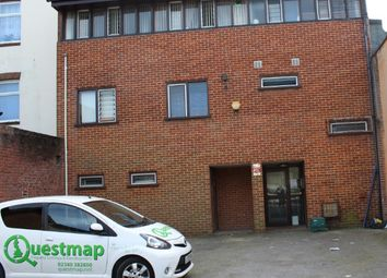 Thumbnail 3 bedroom flat to rent in 33 Portsmouth Road, Woolston