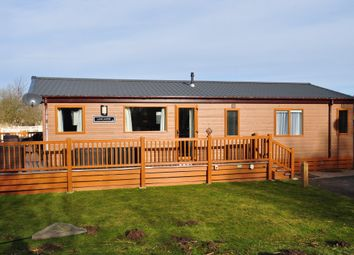 Thumbnail 3 bed mobile/park home for sale in Osprey Rise, Tattershall Lakes, Lincoln