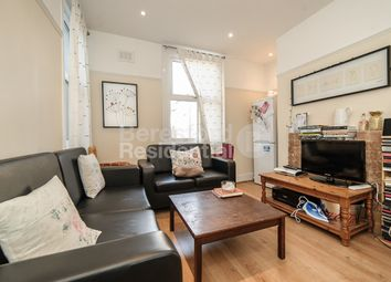 Thumbnail 3 bedroom flat to rent in Felsberg Road, London