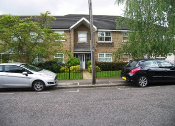 Thumbnail 2 bed flat to rent in Lancaster Road, East Barnet