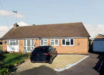 Thumbnail 3 bed detached bungalow for sale in Metcalf Close, Drayton, Banbury