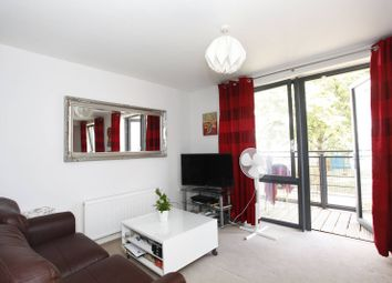 Thumbnail 1 bed flat to rent in Pooles Park, Finsbury Park