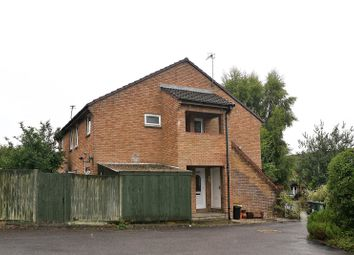 Thumbnail Studio to rent in Farringdon Way, Tadley, Hampshire