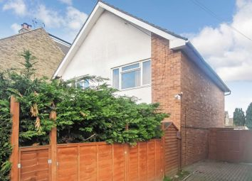 Thumbnail 2 bedroom maisonette for sale in Meadfield Road, Langley, Slough