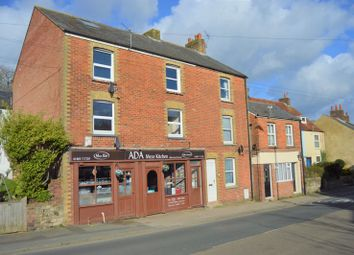 Thumbnail 2 bed flat to rent in Carisbrooke High Street, Newport