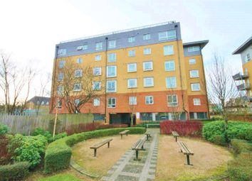 Thumbnail 2 bed flat to rent in Station Road, Borehamwood