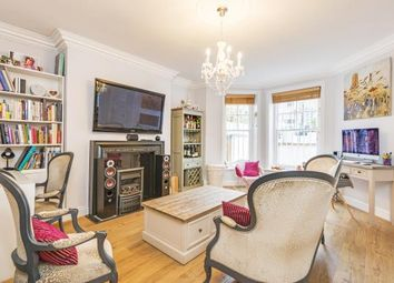 Thumbnail 2 bed flat for sale in Hillside Gardens, Highgate Village, London