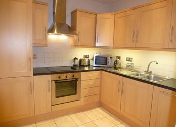 Thumbnail 1 bed flat to rent in Queen Victoria Street, Reading