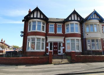 2 bed flat to rent in 99-101 Warley Road, Blackpool FY1