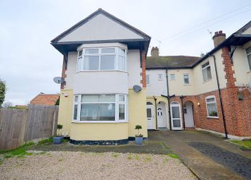 2 bed maisonette to rent in Lessington Avenue, Romford RM7