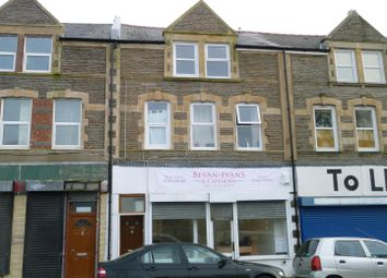 Thumbnail 2 bedroom flat to rent in Holton Road, Barry