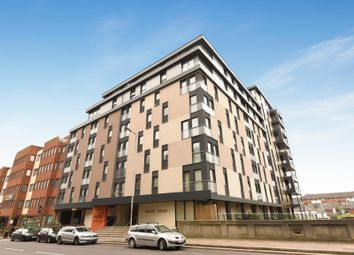 Thumbnail 2 bedroom flat for sale in Kennet House, 80 Kings Road, Reading