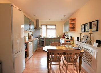 Thumbnail 2 bedroom maisonette to rent in Summer Road, Thames Ditton