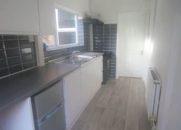 2 bed property to rent in Lockhurst Lane, Coventry CV6