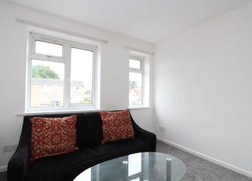 Thumbnail 1 bedroom flat to rent in Shinfield Road, Reading
