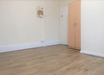 Thumbnail Studio to rent in Reighton Road, London