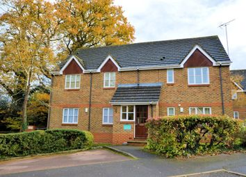 Thumbnail 2 bedroom flat to rent in Groves Lea, Mortimer, Reading