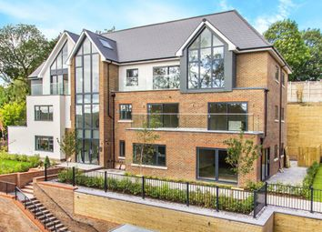 Church Hill, Caterham CR3. 2 bed flat