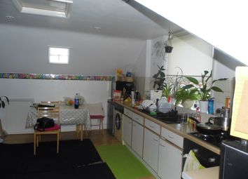 Thumbnail Studio to rent in Grove Road, Sutton