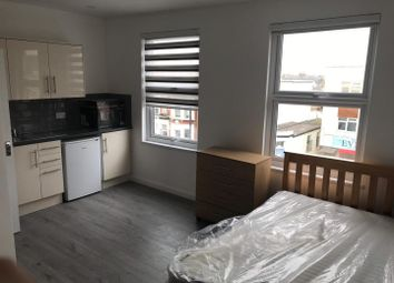 Thumbnail Studio to rent in Green Lanes, London