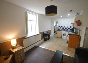 Thumbnail 1 bed flat to rent in Gordon Road, Roath, Cardiff