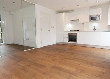 Thumbnail 1 bed flat to rent in Nightingale Lane, Hornsey
