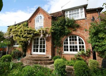 Thumbnail 3 bed detached house to rent in Elmfield Gardens, Speen Lane, Newbury