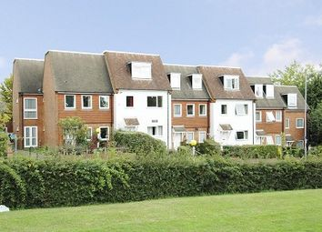 Thumbnail 2 bed flat to rent in Avenue House, Chesham