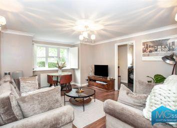 Lyons Court, Eversleigh Road, Barnet EN5. 2 bed flat
