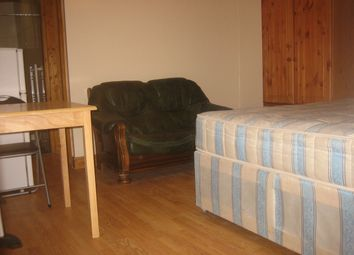 Thumbnail 1 bed flat to rent in Walm Lane, Cricklewood, London