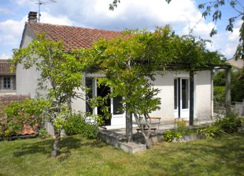 Thumbnail 1 bed town house for sale in Poitou-Charentes, Charente, Confolens