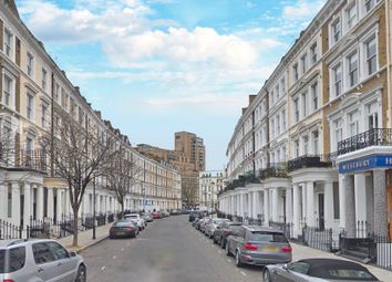 Thumbnail 2 bed flat to rent in Collingham Place, Earls Court, London