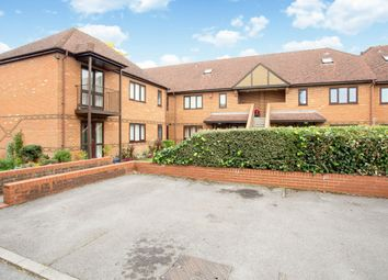 Thumbnail 2 bed flat to rent in Bobmore Lane, Marlow