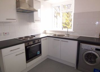 3 bed flat to rent in Dukes Avenue, New Malden KT3