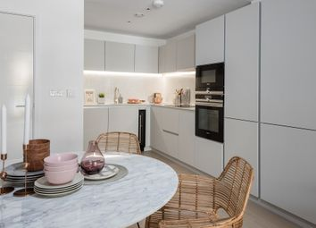 Thumbnail 1 bedroom flat for sale in Packington Square, Islington, London