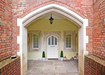 Thumbnail 2 bed flat for sale in London Court, Brentwood, Essex