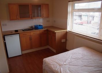 Thumbnail Studio to rent in Sherwood Street, Reading