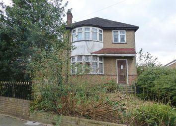 Thumbnail 3 bedroom detached house for sale in Alverstone Avenue, East Barnet, Barnet
